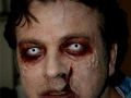 cabine-of-the-dead-design-et-application-maquillage-zombies-2