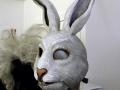 la-comedie-francaise-masque-de-lapin-machoire-articulable